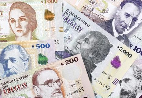 dinero uruguayo plata